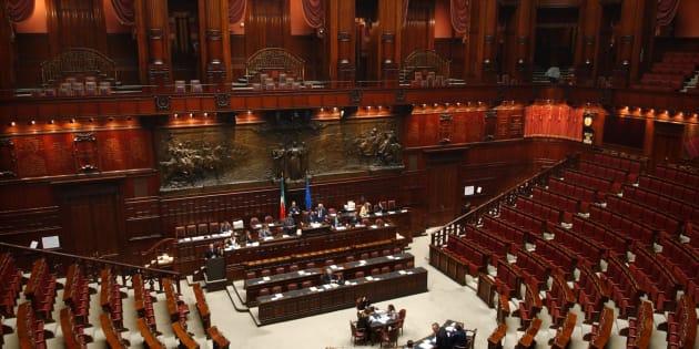 Parlamento bloccato? E gli onorevoli si godono il maxi ponte