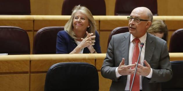 El ministro de Hacienda, Cristóbal Montoro, interviene en el pleno del Senado.