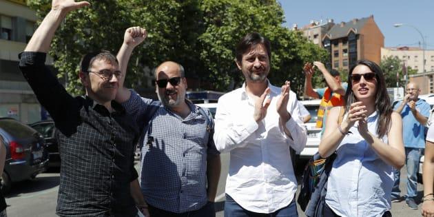 Los miembros de Podemos Irene Montero, Rafael Mayoral, Óscar Guardingo y Juan Carlos Monedero este viernes.