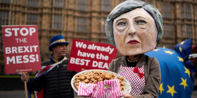 May mantiene contactos para salvar su pacto del Brexit.