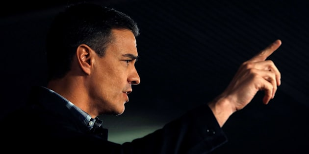 Sánchez participa en acto del PSC en Barcelona para arropar al candidato a la alcaldía de Barcelona, Jaume Collboni.