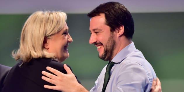 Imagen de archivo de Le Pen (izq) y Salvini (der).