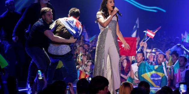 Esta Es La Condena Por Enseñar El Culo En Eurovisión El Huffington