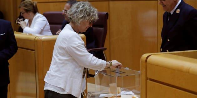 La portavoz de ERC, Mirella Cortès, durante la segunda votación para elegir a los cuatro miembros del Consejo de RTVE que elige la Cámara Alta, en el pleno del Senado celebrado este jueves en Madrid.