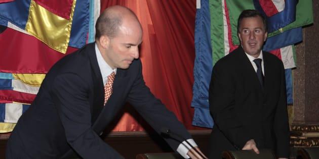 José Antonio González Anaya como subsecretario de Ingresos junto a Jose Antonio Meade, entonces secretario de Hacienda y Crédito Público.