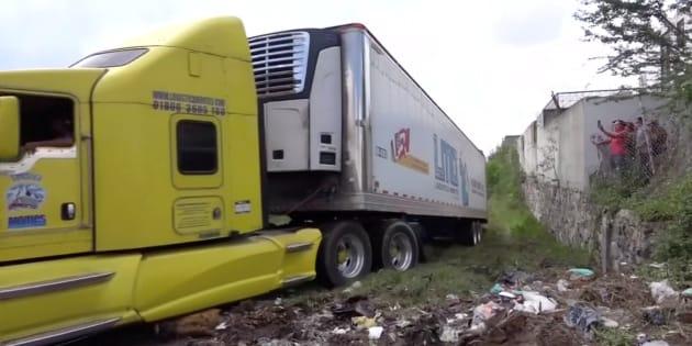 Uno de los camiones abandonados.