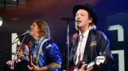 Le nouvel album d'Arcade Fire en première position du palmarès