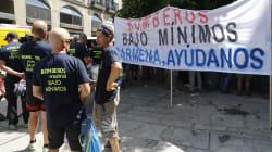 Los bomberos municipales protestan por la 'falta de compromiso' de