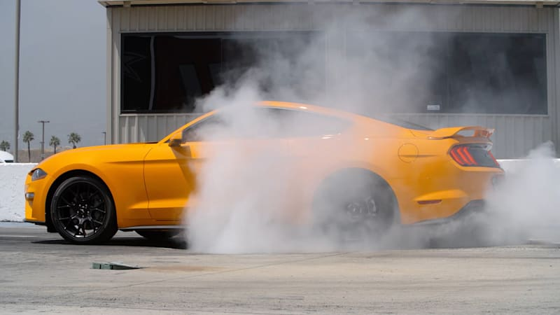 2018 Ford Mustang Gt Runs 11s In The Quarter Mile Road Track Jan 4 By Chris Perkins