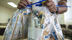 Retiran 30 lotes más de leche infantil y papilla en España tras los casos de salmonella en