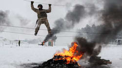 Ucrania levanta el estado de excepción declarado después de que Rusia apresara tres de sus