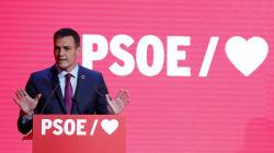 Sánchez lanza su precampaña: España, corazones y contra los cordones