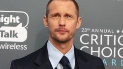 El divertido momento de Alexander Skarsgård sobre el escenario de los Critics' Choice