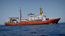 Alcaldes italianos ofrecen sus puertos para acoger al 'Aquarius' tras el rechazo de