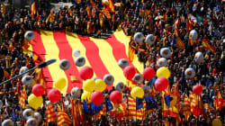 Miles de personas se manifiestan en Barcelona bajo el lema
