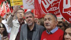 Los sindicatos exigen subidas salariales a las puertas de la sede de la