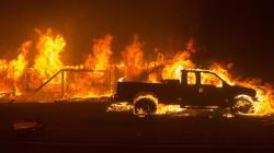 Una nueva oleada de incendios obliga a evacuar a miles de personas en
