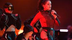 Tienes que ver la actuación de Rosalía en los MTV