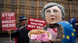 May aplaza la votación del acuerdo del Brexit en el Parlamento