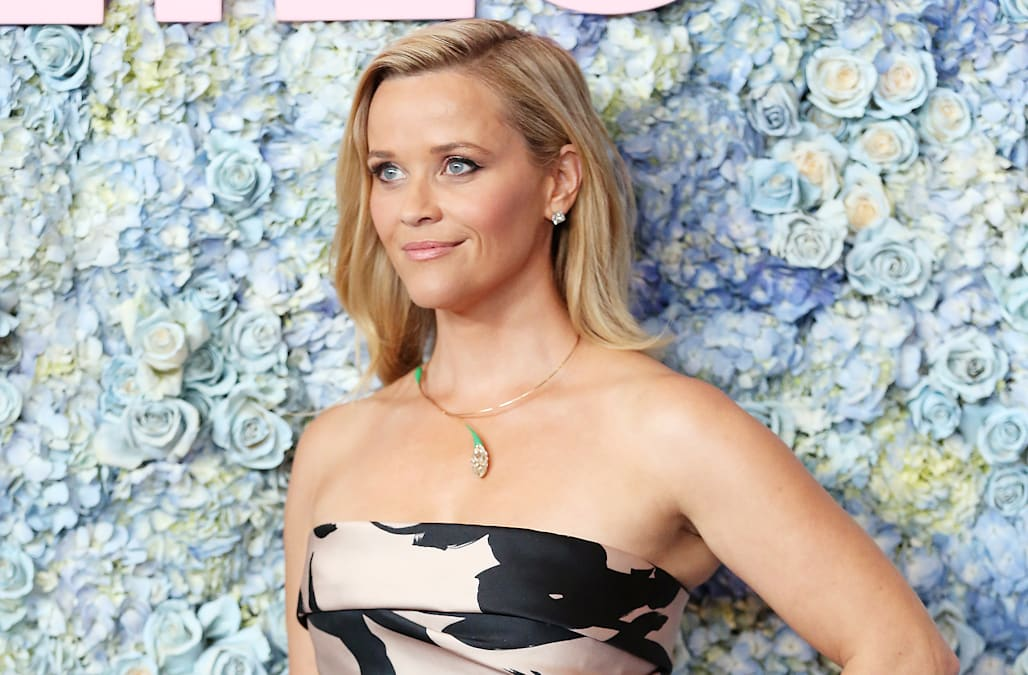 Reese Witherspoon S Former Makeup Artist Tells Us How To