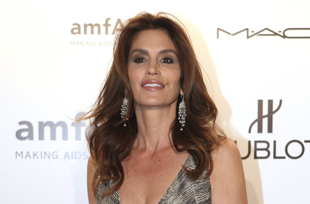How tall is cindy crawford-7120