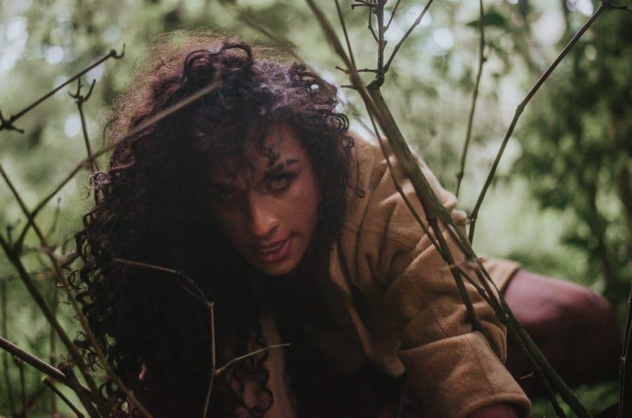 """Aos 27 anos, Linn da Quebrada se declara """"bixa travesti, preta, da quebrada, filha de empregada doméstica""""."""