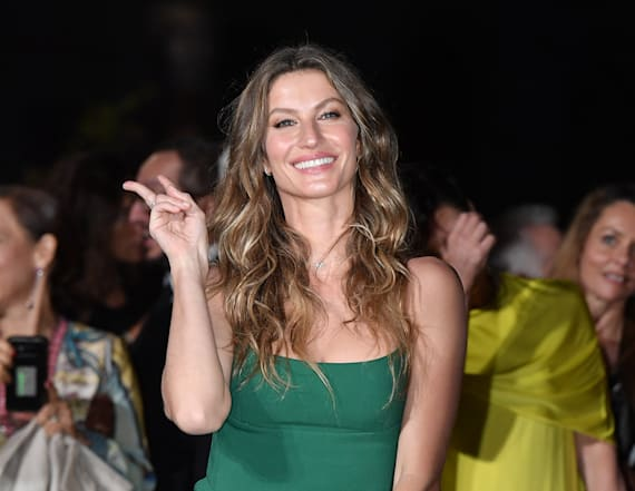 Gisele Bundchen is gorgeous in emerald green