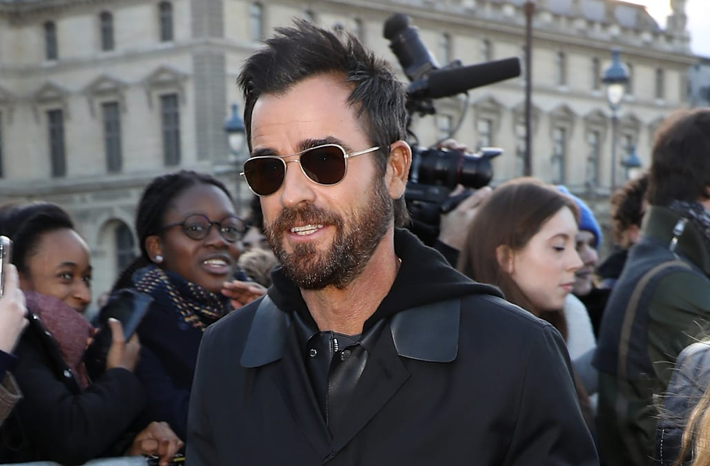 Justin Theroux still 'heartbroken' over Jennifer Aniston split despite dating  rumors (exclusive). ET Online