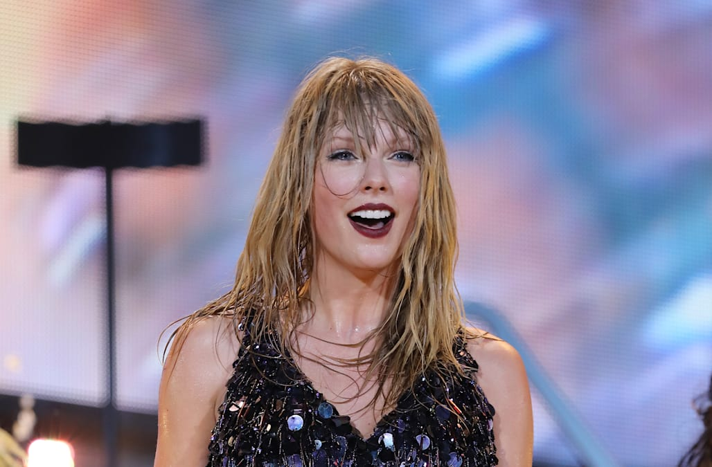Andrew Lloyd Webber Hints At Taylor Swift S Role In Cats Movie Aol Entertainment