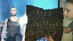 Le t-shirt d'Adam Levine lui a volé la vedette pendant le Super