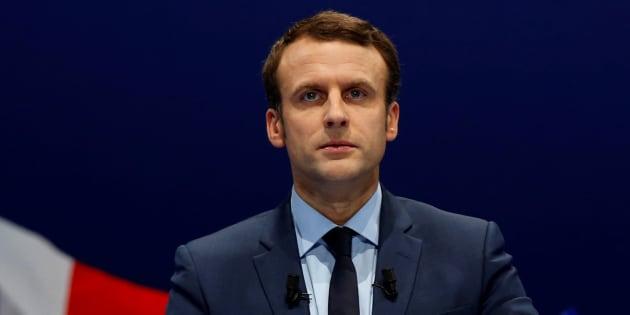 Macron a bien un programme, rangé dans un classeur gris. REUTERS/Jean-Paul Pelissier