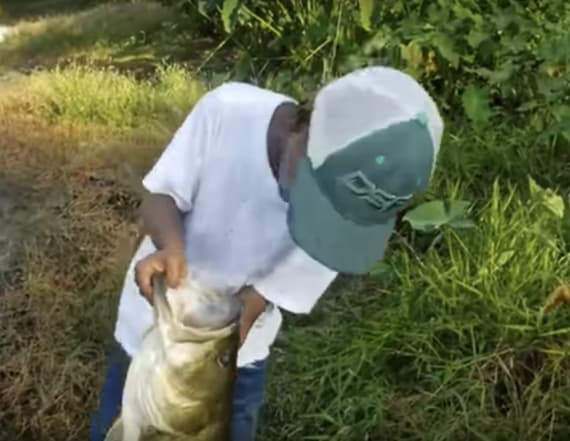 Dad captures son's unexpected act on fishing trip