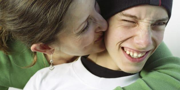 Ces 10 petits détails qui différencient une mère d'ado des autres.