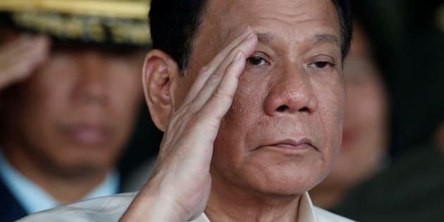 Le président philippin Rodrigo Duterte admet des meurtres quand il était maire dans les années 90, une enquête est ouverte