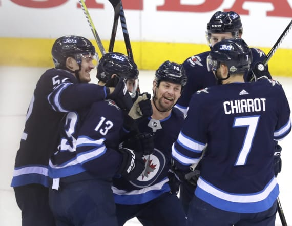 Winnipeg Jets win their first playoff series