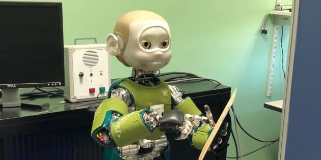 Ce robot a une très bonne raison de vous faire de l'œil.