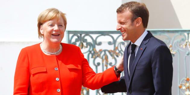 Emmanuel Macron et Angela Merkel se serrent les coudes dans la tourmente