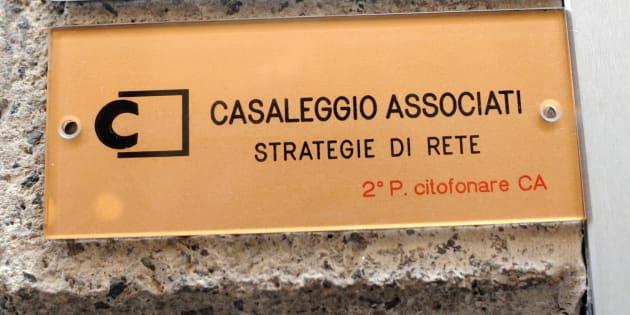 La sede della Casaleggio Associati in via Gerolamo Morone 6 a Milano, 26 maggio 2012.  ANSA/DANIELE MASCOLO