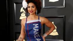 Elle a osé la robe Donald Trump sur le tapis