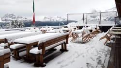 Les images des chutes de neige exceptionnelles sur les Alpes italiennes et