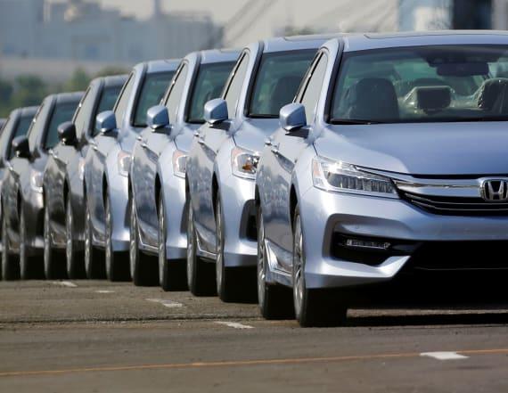 Honda recalling nearly 1 million minivans
