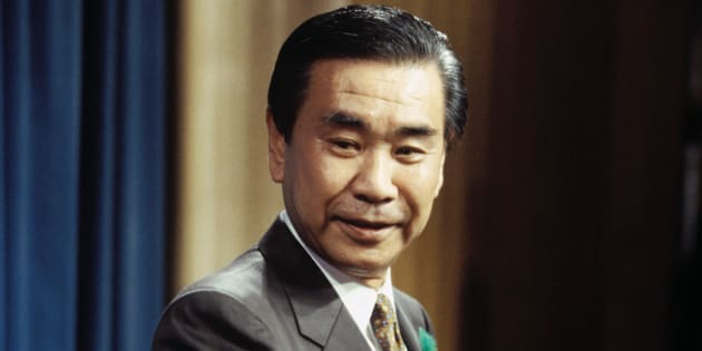 記者会見する羽田孜首相(東京・首相官邸)撮影日:1994年04月28日