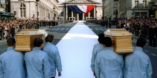 L'entrée au Panthéon de Pierre et Marie Curie en 1995.