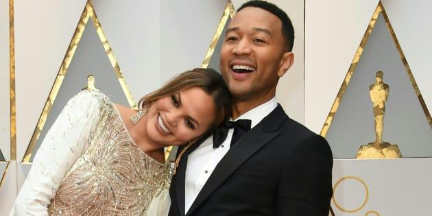 John Legend et Chrissy Teigen s'amusent de la bourde des Oscars 2017.