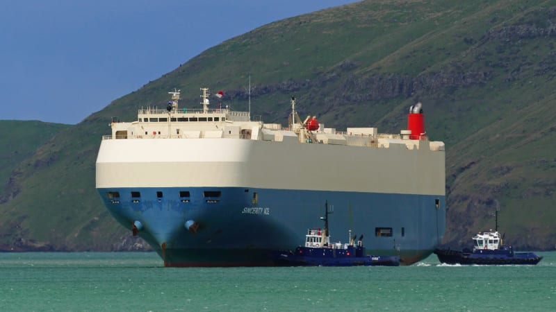 Ship A Car >> 16 Of 21 Crew Members Rescued From Burning Car Carrier Near Hawaii