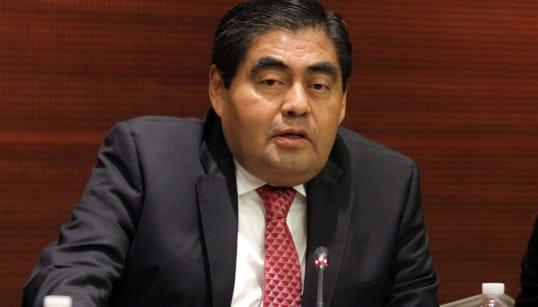 Miguel Barbosa se registra como candidato a la gubernatura de