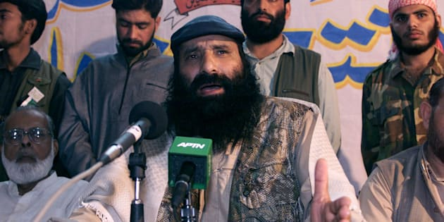 Syed Salahuddin, supreme commander of Kashmiri militant group Hizbul-Mujahideen, at a press conference in Karachi on November 24, 2000.
