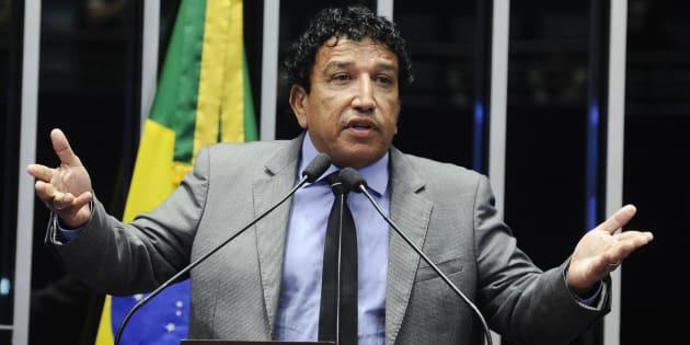 Senador Magno Malta (PR-ES) ainda não se convenceu a ser vice do deputado Jair Bolsonaro (PSL-RJ) na disputa presidencial, mas garante apoio ao candidato.