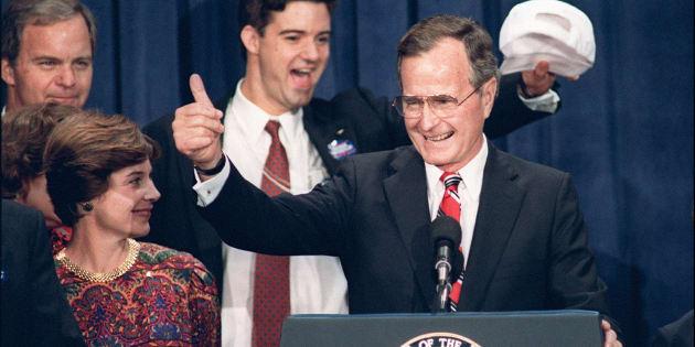 """Pendant sa campagne présidentielle de 1988, George Bush avait lancé cette promesse devenue iconique: """"Lisez sur mes lèvres: pas de nouveaux impôts""""."""