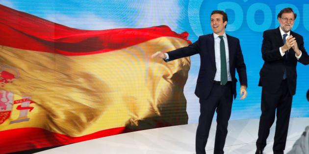 El expresidente del gobierno Mariano Rajoy y el presidente del PP Pablo Casado esta tarde durante la inauguración de la convención del Partido Popular que se celebrará hasta el próximo Domingo en el Recinto Ferial IFEMA de Madrid.